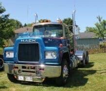 81 Mack Big Rig Truck
