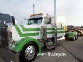 Peterbilt Show Trucks: Photos of Cool Custom Semi Trucks!