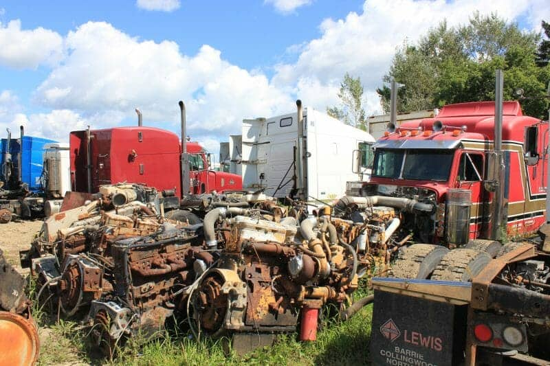 Semi truck salvage yards will save you money solutioingenieria Gallery