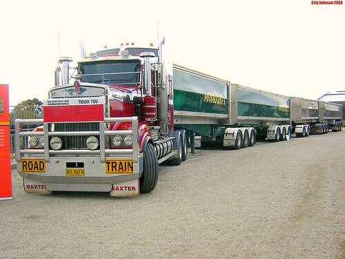Australian Road Trains An Aussie Trucker Tells The Real Story