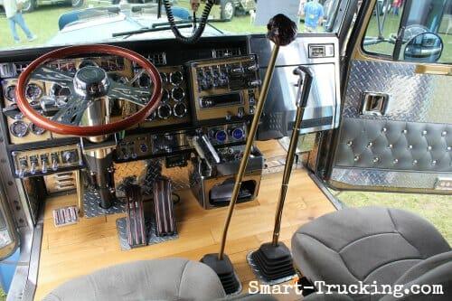 Kenworth Show Truck Custom Interior Twin Sticks