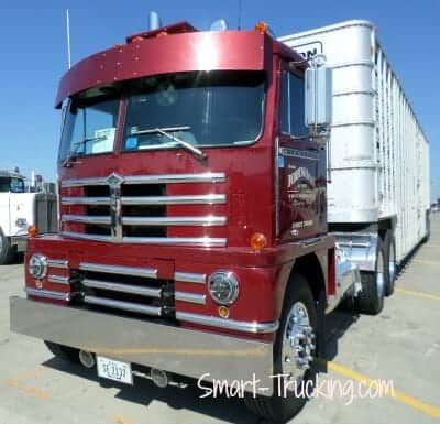 Diamond T Cabover