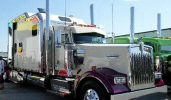 Kenworth W900 Big Bunk Truck Purple White