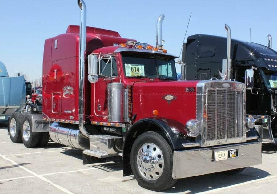 Red Peterbilt 379 Truck