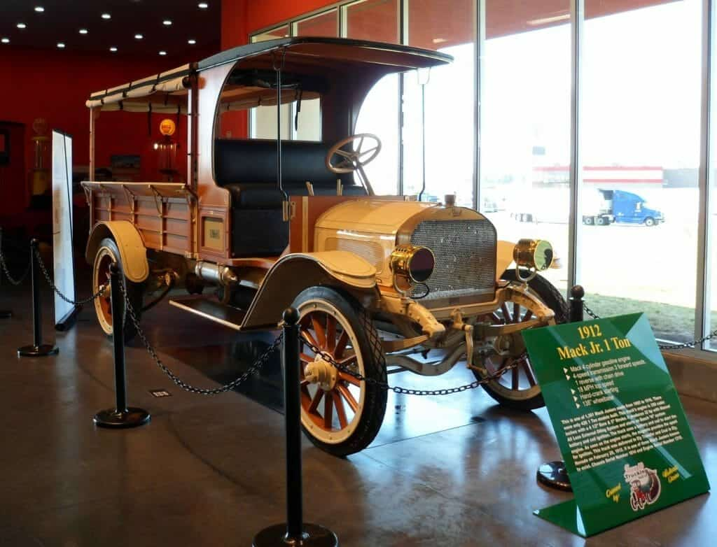 1912 Mack Truck