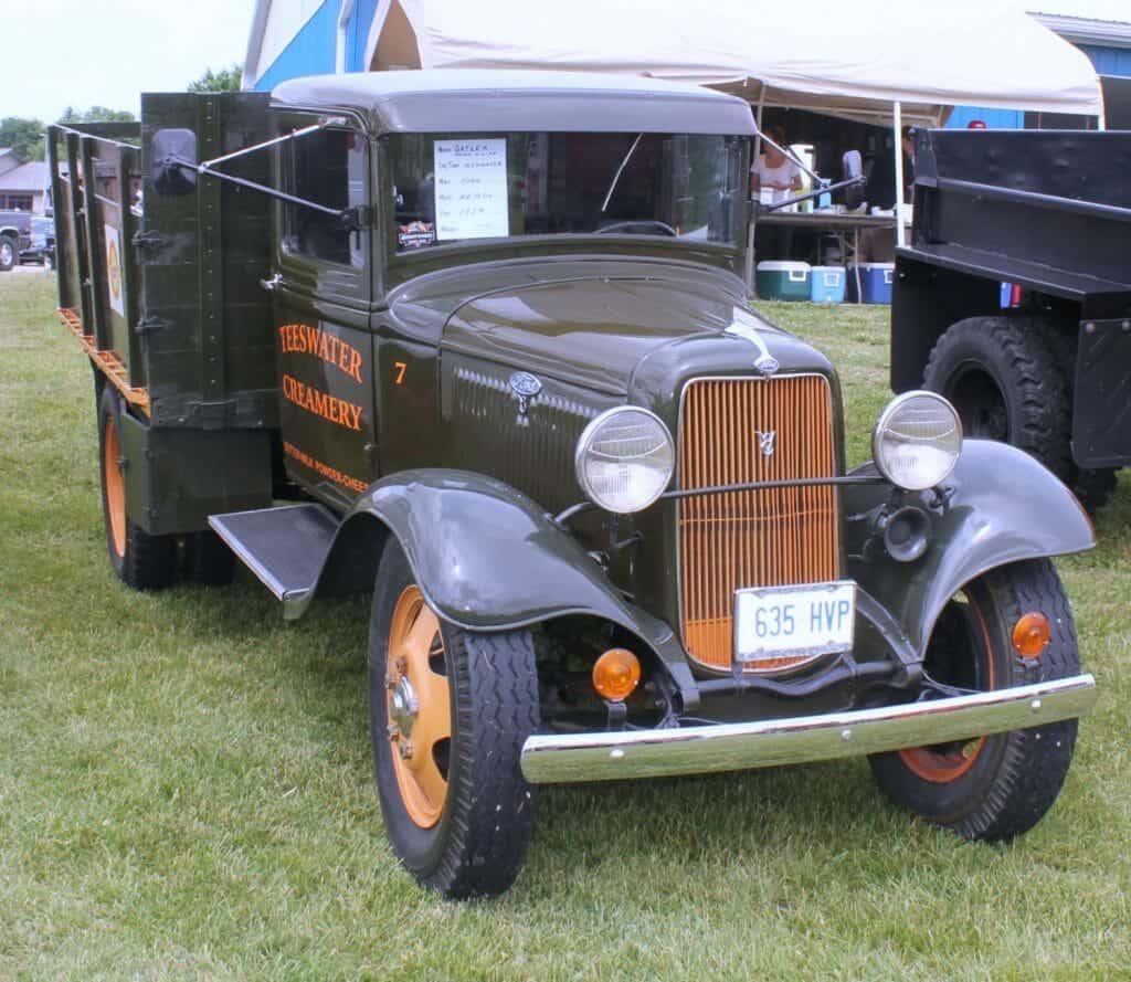1934 Vintage Ford Rig