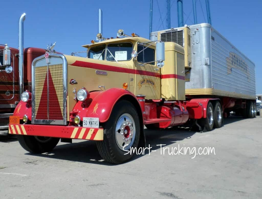 1950 Needlenose Kenworth Red Yellow