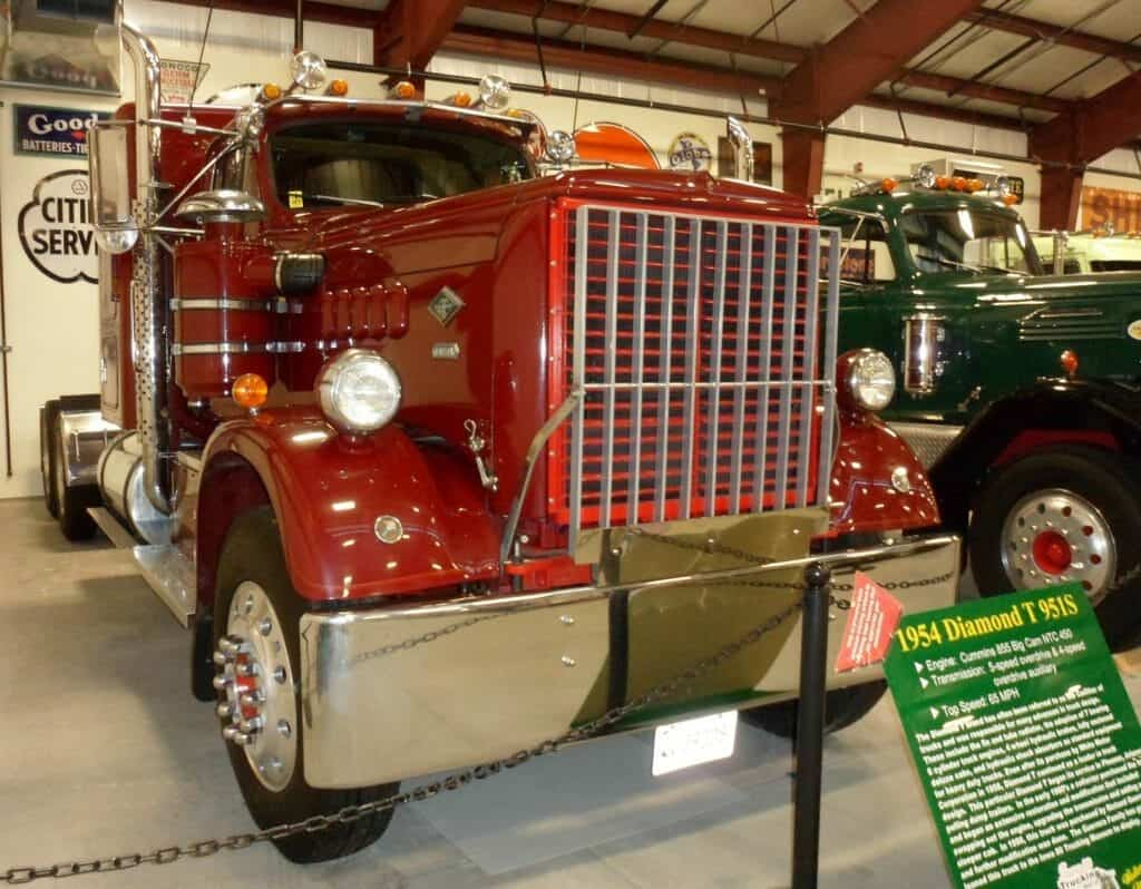 1954 Red Diamond T 951S