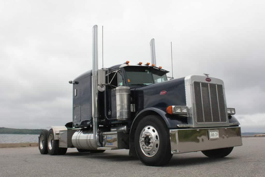 Blue 2004 379 Peterbilt Truck