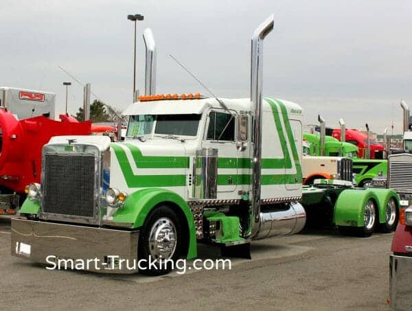 379 Peterbilt Show Truck Lime Green White