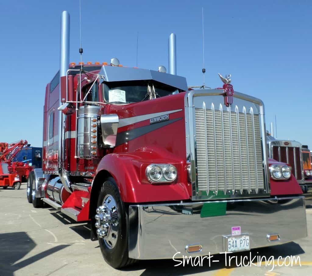 Red Kenworth W900L Rig