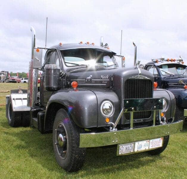 1957-mack-b61-thermodyne-gray-2