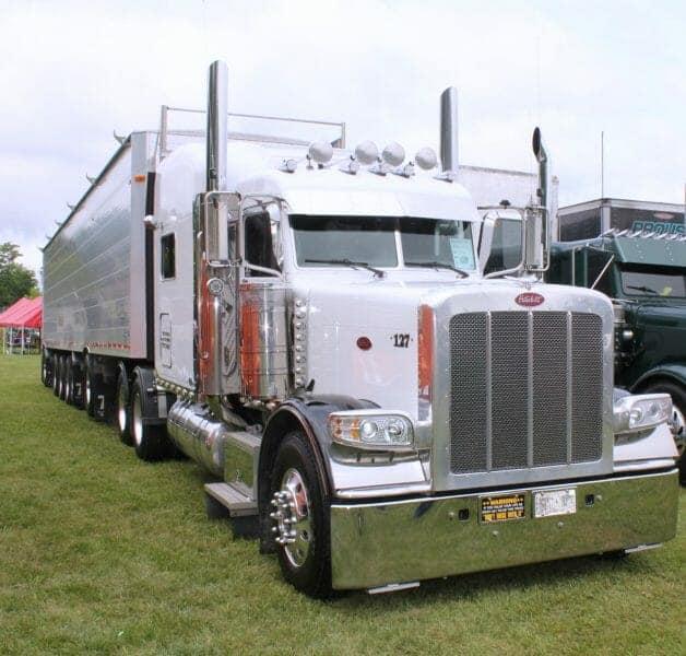 2010 Peterbilt 389 Big Rig Truck White