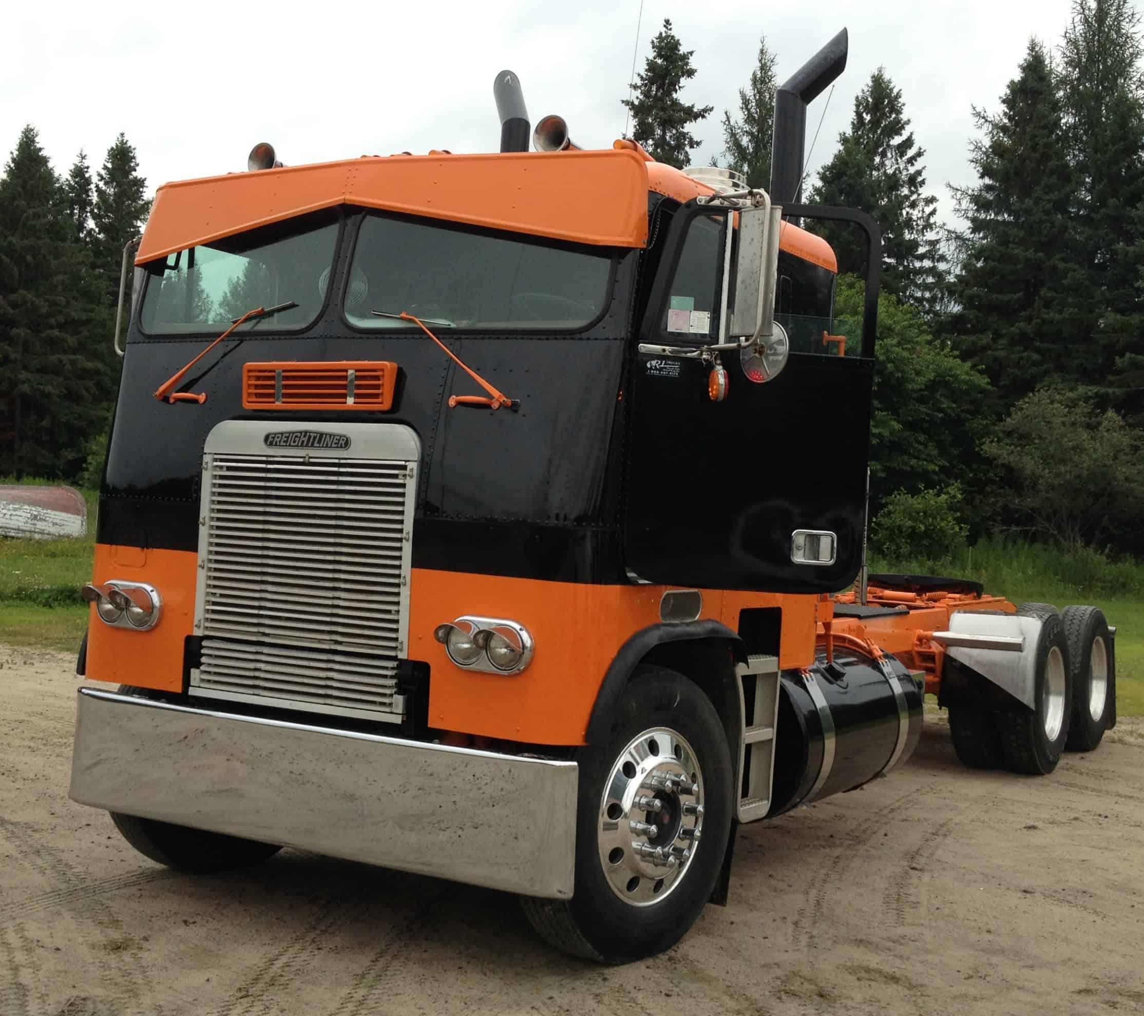 1987 Freightliner Cabover Orange Black