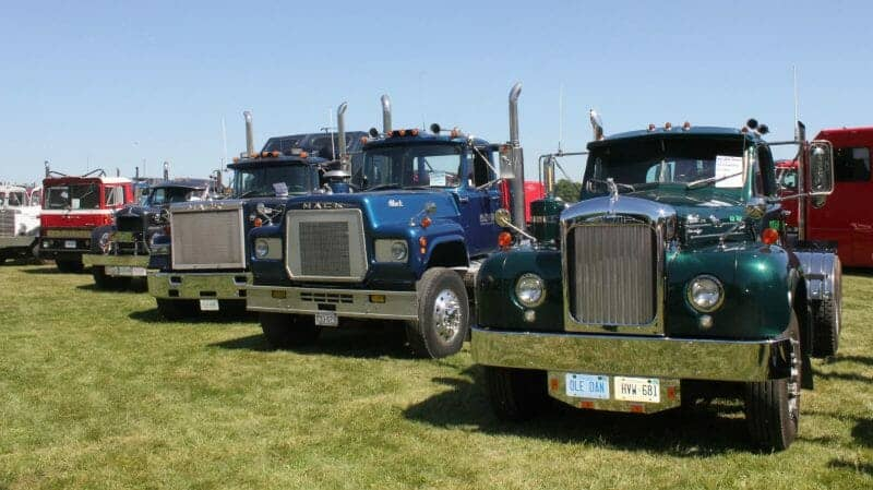 B61 Model Macks Superliner Mack Trucks