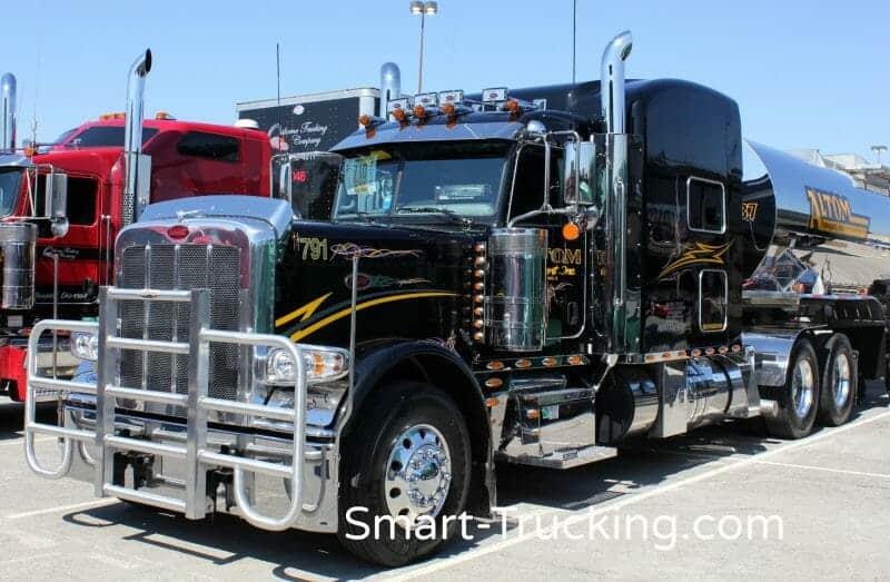 Black 389 Peterbilt Truck