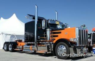 Custom Black Orange 389 Peterbilt Rig