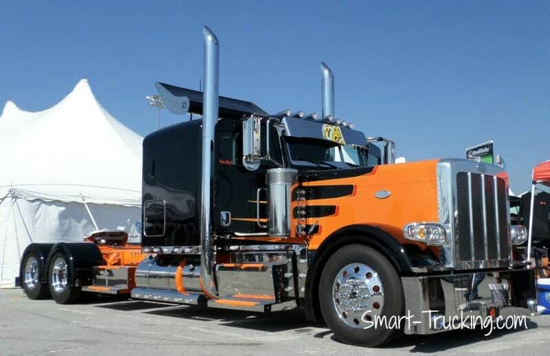 Custom Black Orange 389 Peterbilt Rig