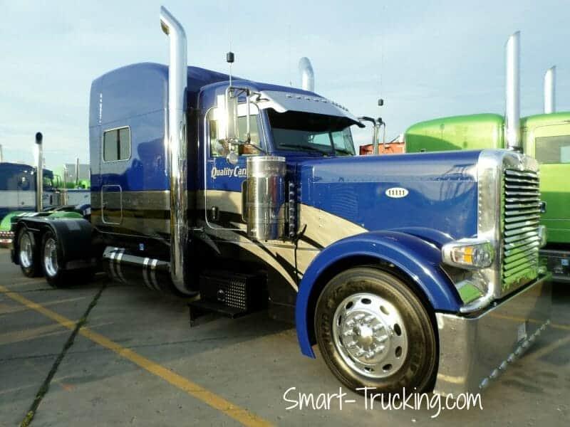 Blue 389 Peterbilt Truck