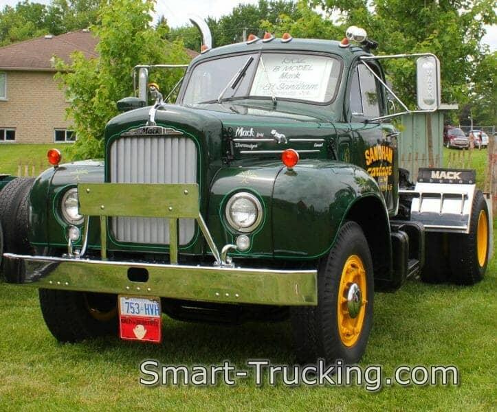 1962 B61 Mack Truck