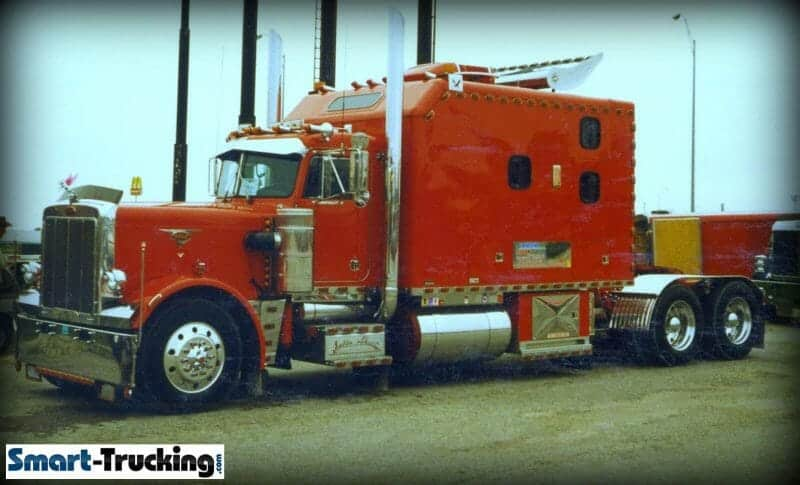 1986 Peterbilt 359 Red Big Sleeper