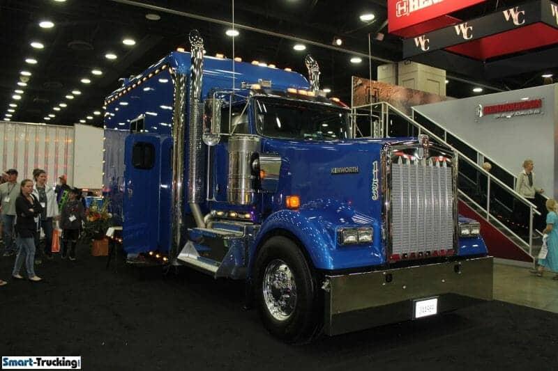 Kenworth Custom Sleeper Berth Truck Royal Blue
