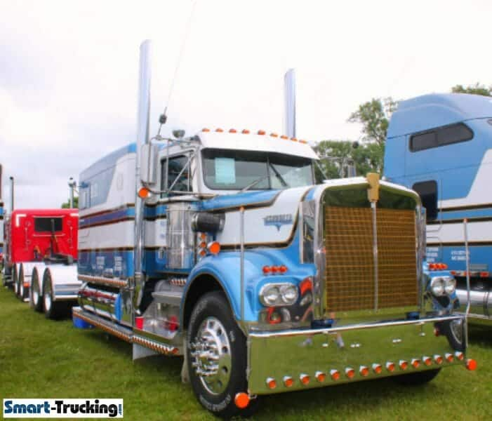 Kenworth W900A With Custom Sleeper Bunk