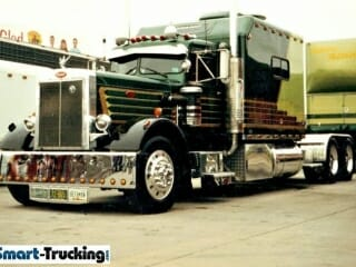 Old Needlenose Kenworth Green Custom Sleeper Berth