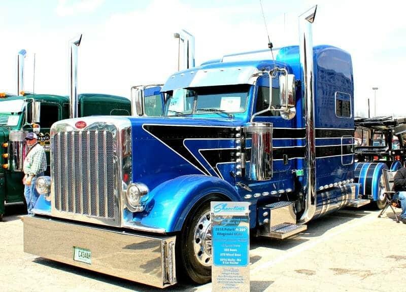 NEW SHOW TRUCK FOR SALE! - Peterbilt of Sioux Falls   389 Peterbilt Show Trucks