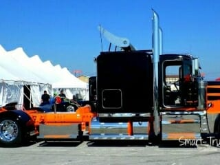 Peterbilt 379 Flat Top Custom Black Orange Show Truck