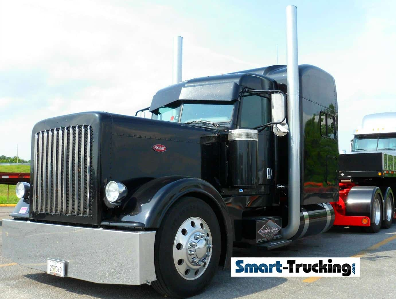 Black 379 Peterbilt Custom Truck