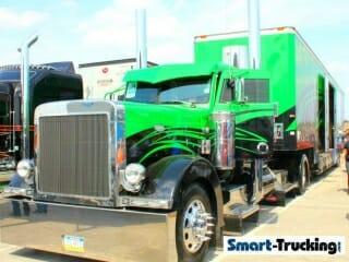 Custom Peterbilt 379 Show Truck Black Green