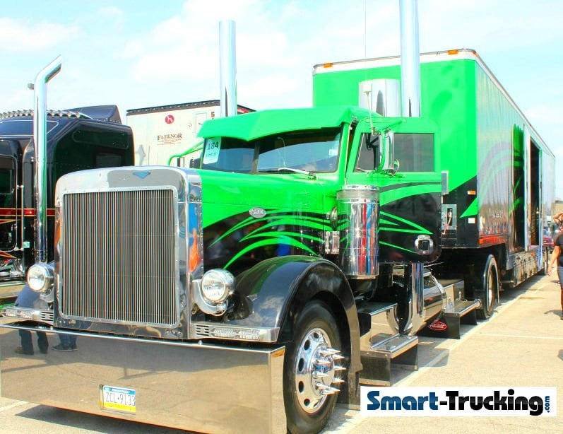 Custom Peterbilt 379 Show Truck Black Green