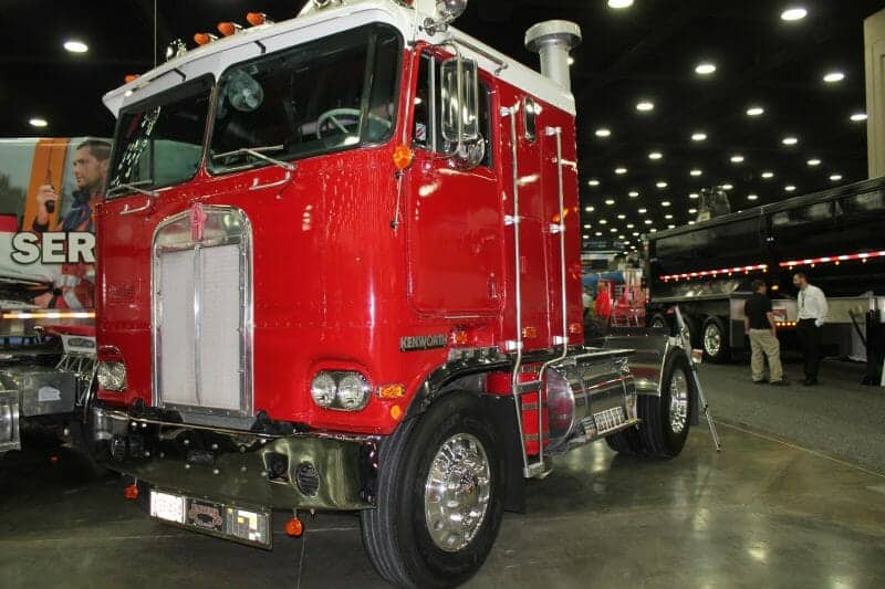 Red Kenworth Cabover