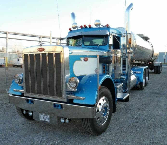 Peterbilt 359 Big Rig with Stainless tanker trailer