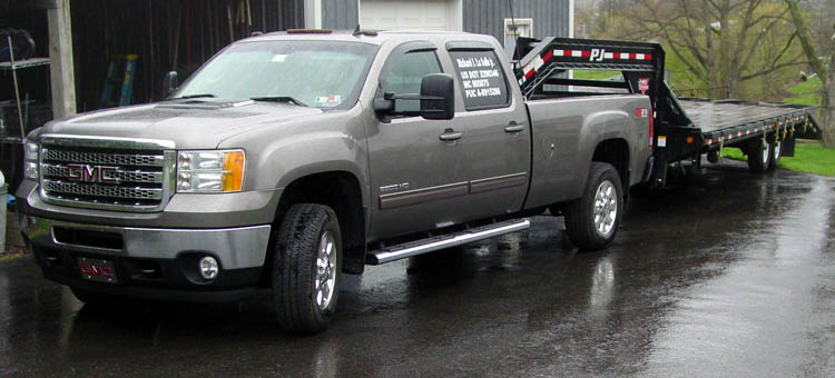 Truck used for Hot Shot Trucking - GMC Pickup with Gooseneck Trailer